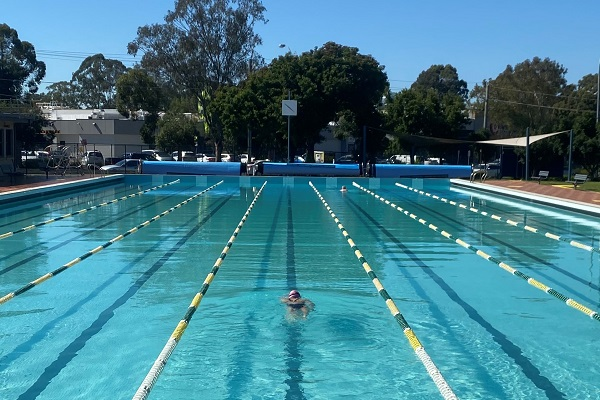 Picture of the outdoor pool at Ripples St Marys